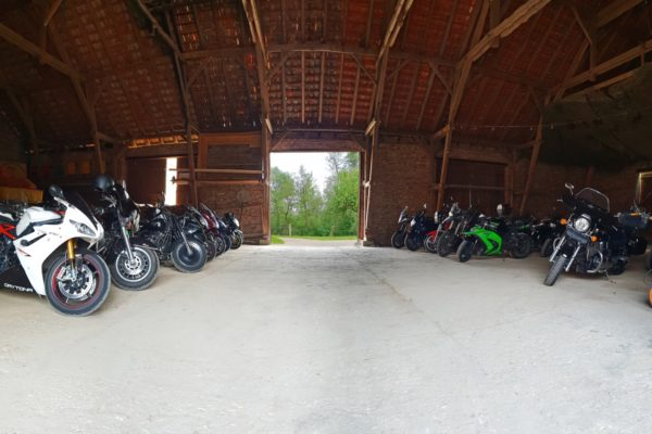 Motorradscheune der Motorrad Pension Gut Externbrock