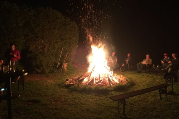 Motorrad Pension Gut Externbrock geselliger Abend am Lagerfeuer